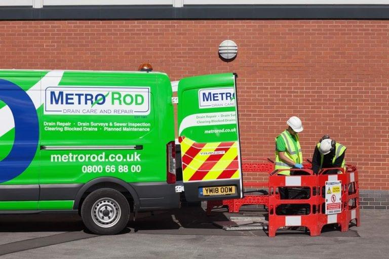 Drain unblocking in Swindon planned maintenance