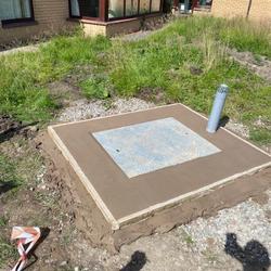 Pump station chamber access